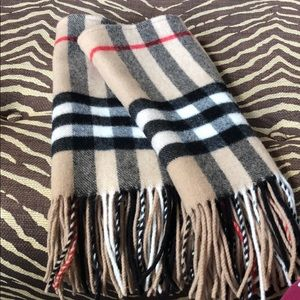 Burberry pullover scarf